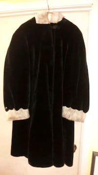 Limited Edition Olympia women's winter coat Guelph, N1H 1W9