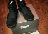 pair of black Adidas NMD shoes with box New York, 11377