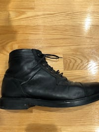 pair of black leather boots Boisbriand