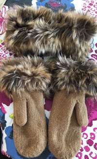 Set of very nice gloves and head band with fur Vaughan, L4J 1K6