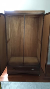 brown wooden 2-door cabinet Ottawa, K2E