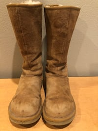 Ladies tall uggs  Central Point, 97502