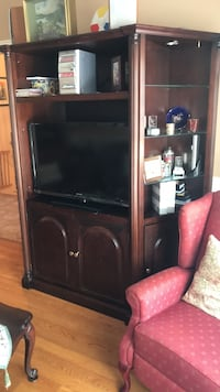 Wall unit , coffee table and end table set Laval, H7G 1X2