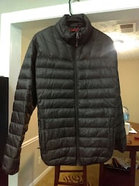black zip up bubble jacket 25$ pick up in Marietta Marietta