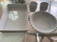 Table serving set Mississauga, L5M 0A9