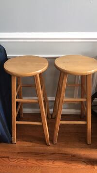 two brown wooden bar stools Leesburg, 20176