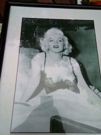 Marilyn Monroe photo with black wooden frame New Rochelle, 10801