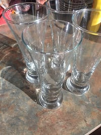 4 half pint beer glasses