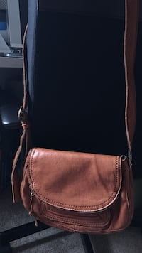 brown leather sling bag Quincy, 02169
