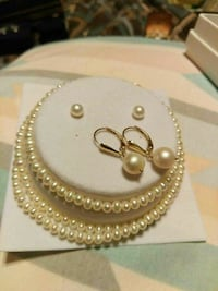 4pc. 14 kg pearls has gold clasp on all Rocky Mount, 27803