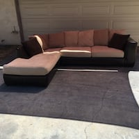 Jerome's Furniture Sectional Couch (free delivery 20 miles) Lakeside