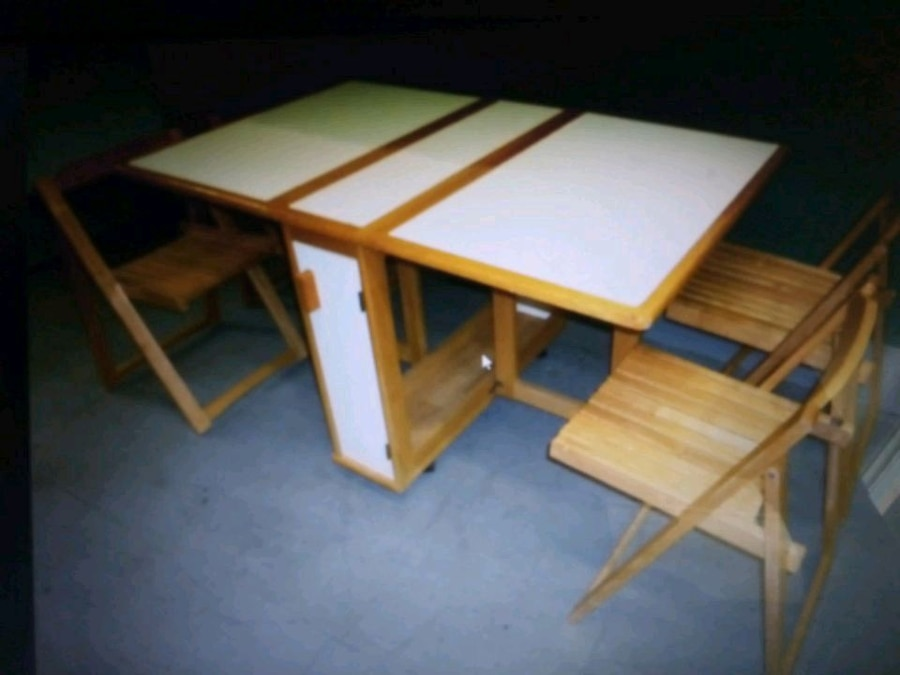 Photo Beautiful Space - Saver Butterfly TABLE & 4 CHAIRS