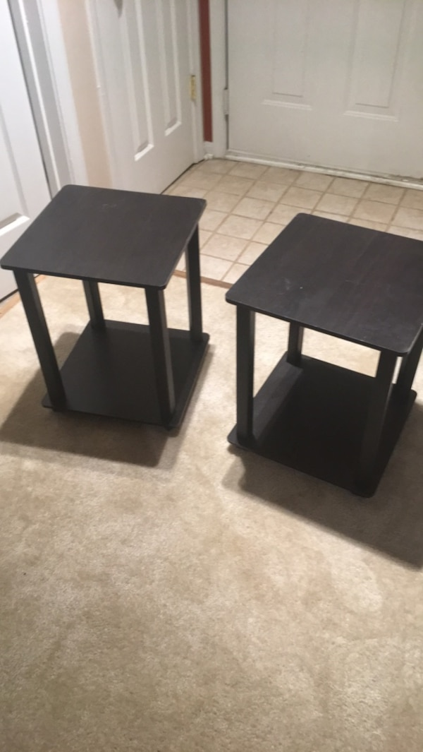 Set of night stands