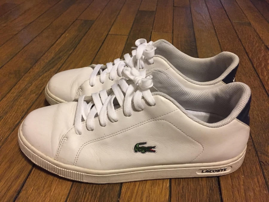 Photo White lacoste low-top sneakers size 10