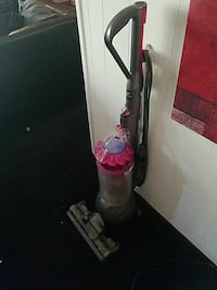 pink and black upright vacuum cleaner Gary, 46403