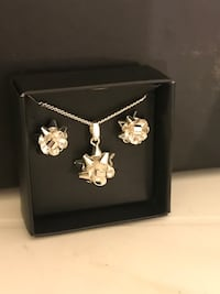 Bow necklace & earrings