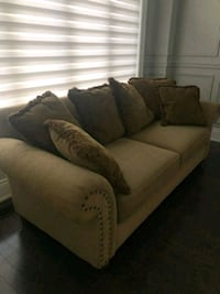 2 pcs sofa set Brampton, L6P 0J4