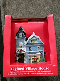 red and black house miniature box 2241 mi