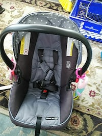 gray and black Snugride 30 infant car seat