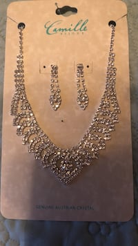 Beautiful sparkly silver with crystals necklace & earring set for Prom, Sweet 16's or Quinces Miami, 33175