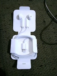 Iphone Lightning port Headphones Louisville, 40214