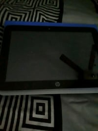 HP tablet with case  St. Catharines, L2R 2A9