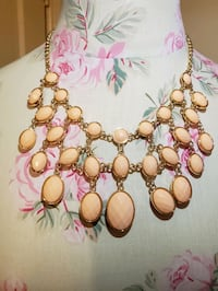 NWT Reversible Necklace statement necklace
