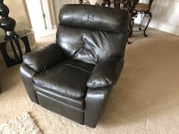 Black leather recliner sofa chair Rockville, 20851