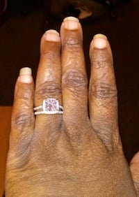 WOMENS SILVER WEDDING-ENGAGEMENT RING SIZE 8