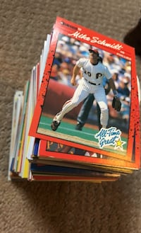 Baseball cards - 277 cards included