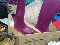 pair of purple leather boots Gibsonton, 33534