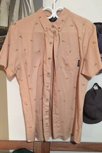 No Vacancy button up tshirt- tannish with pizza pattern, **new** Montréal, H1H 4M1