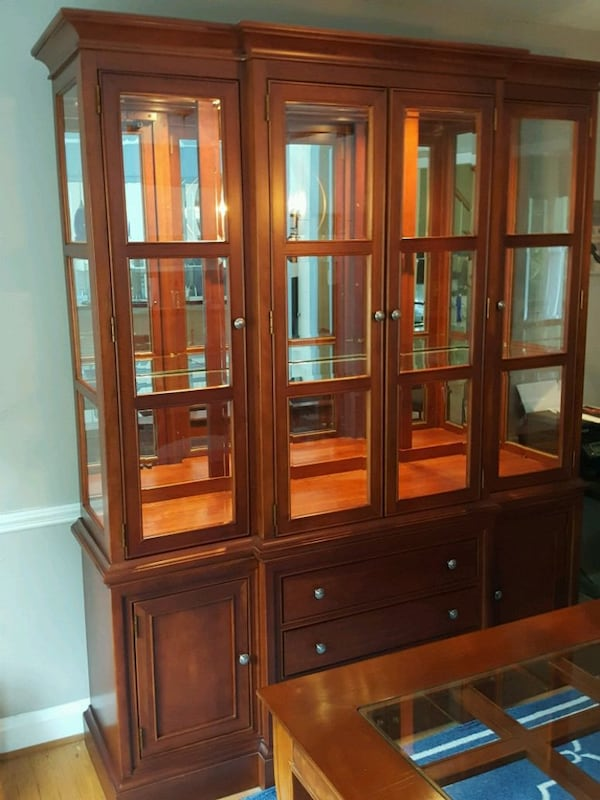 Dining Room Set and China Cabinet cc81e322-0a44-4908-965b-a98316959383