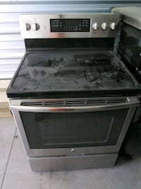 GE glass top 5 burner electric stove Sioux Falls, 57106