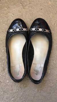 Pair of black leather flats San Diego, 92154