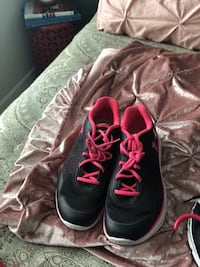 Running name brand shoes size 10 womens 54 km