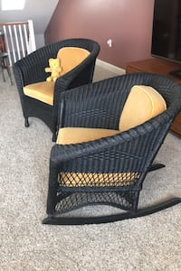Vintage  Rush woven Rocker and chair- mint condition Pittsburgh, 15212