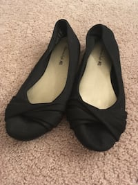 Pair of black flat shoes (size 6.5 wide) Ypsilanti, 48197