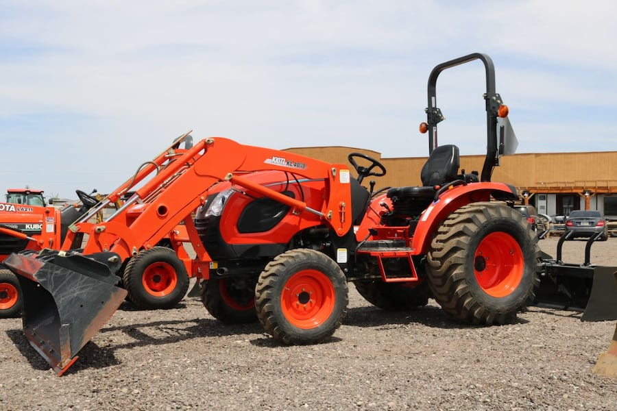 CERTIFIED USED - 5 YEAR WARRANTY - 2019 Kioti CK3510H 35HP 4x4 Tractor Loader with BOX BLADE 7219e9f2-dff2-4abb-9228-25314a628aec