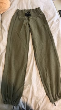 Green lululemon pants