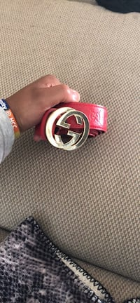 red Gucci belt with silver buckle Hagerstown, 21740