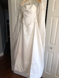 Wedding gown - size 10:  never worn