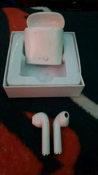 Brand New Wireless Headphones 7 Left Chicago, 60641