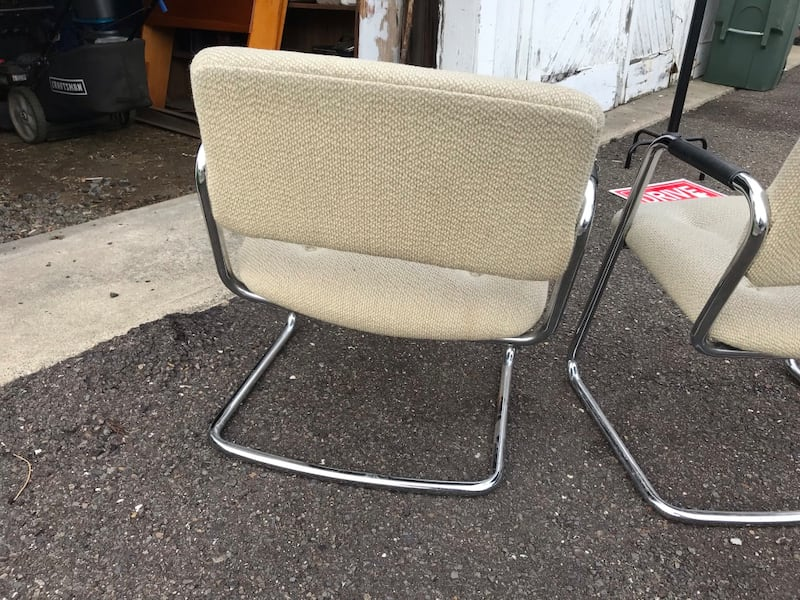 CHAIRS, 2 OFFICE CHAIRS, GOOD CONDITION, VERY STUR 4