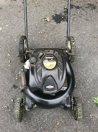 """Briggs and stratton 21"""" push mower Annandale, 22003"""