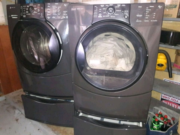 Kenmore He4 Washer Dryer With Pedestals