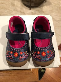 Stride rite girl shoes size 4.5M Centreville, 20121