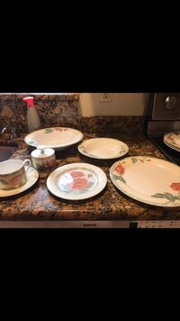 Dinnerware set (4 person setting ) Levittown, 19056