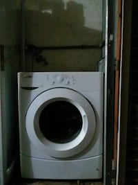 Whirlpool washer 2014 barely used everything inclu 35 km