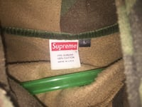 Black and gray camouflage supreme pullover hoodie Toronto, M3K 1C5